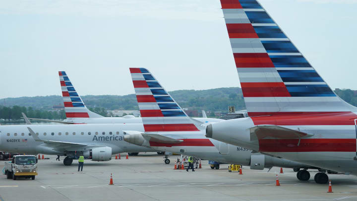 American Airlines plans to raise $1.5 bln in stock, convertible notes sale